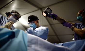 Puerto Rico Doctors Are Performing Surgery By Flashlight Over A Month After Hurricane Maria Hit