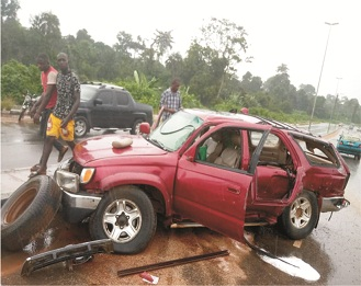 Two escape death in Akure autocrash