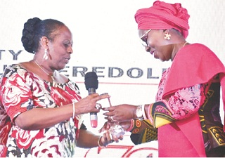 Mrs. Akeredolu bags Tribune's Platinum Award