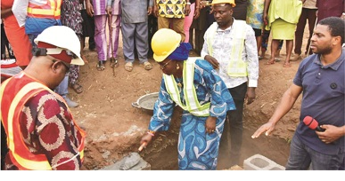 Mrs. Akeredolu lays ADEDEC foundation at Emeabiam