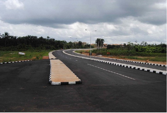 'Provide signs for Oba-Ile/Airport  road