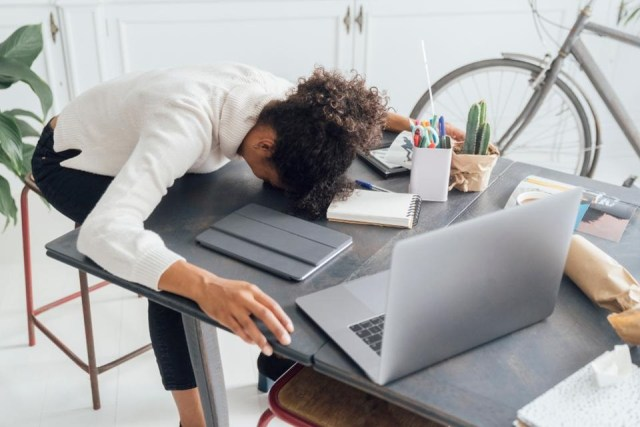 7 Health and Stress Busting Tips for People Working from Home