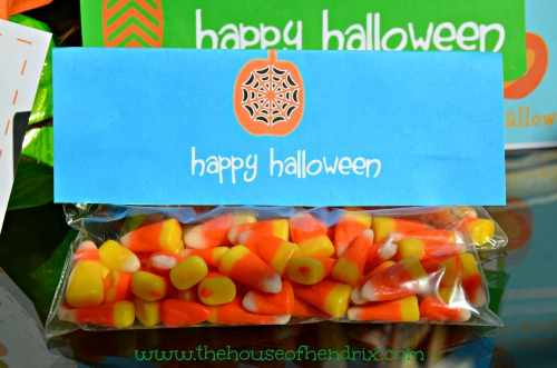 Halloween printable Ziplock Bag toppers - Simply print, fold over ziplock bag, and staple.