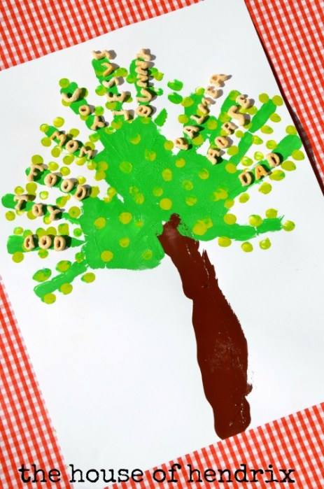 Tree of Gratitude- a craft and character-building lesson with each step {the House of Hendrix} #alphabits