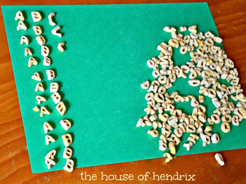 r-building lesson included with each step of this craft (The House of Hendrix) #alphabits