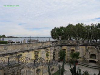 Vizcaya walled garden