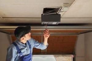 5 Good Reasons to Replace Your Garage Door Opener