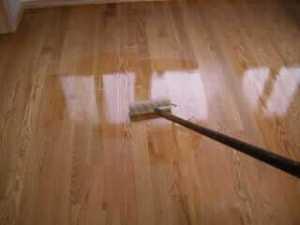 apply-polyurethane-on-hardwood-floors