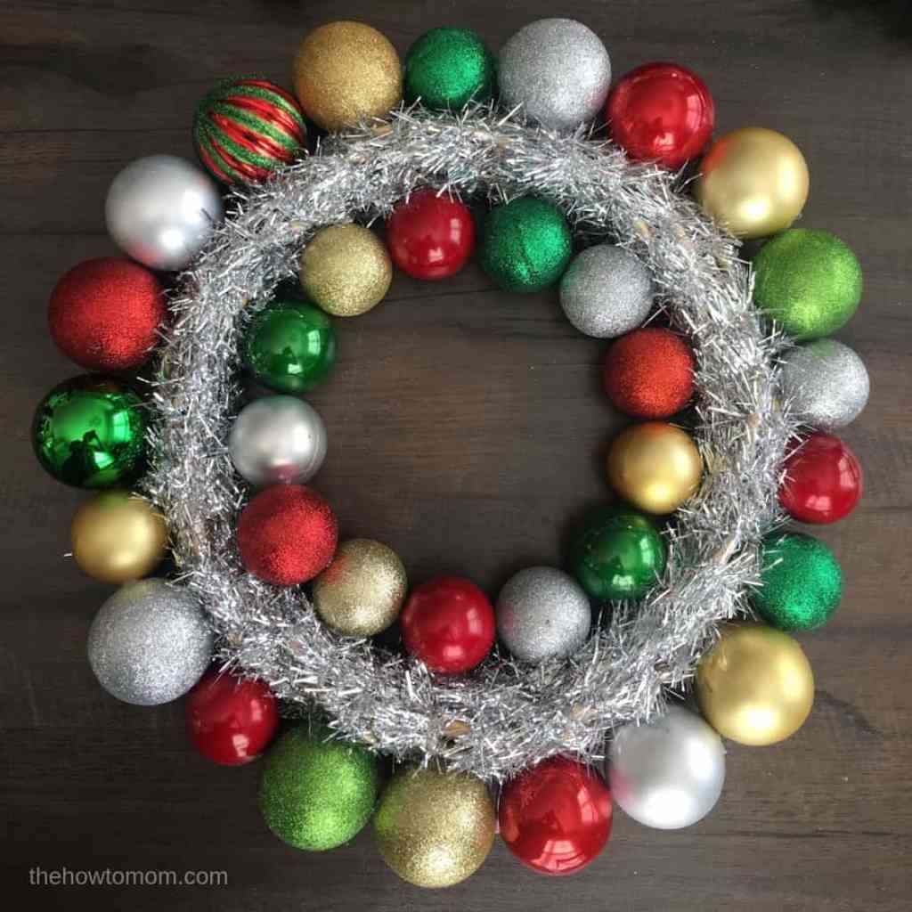How to make a super easy ornament wreath