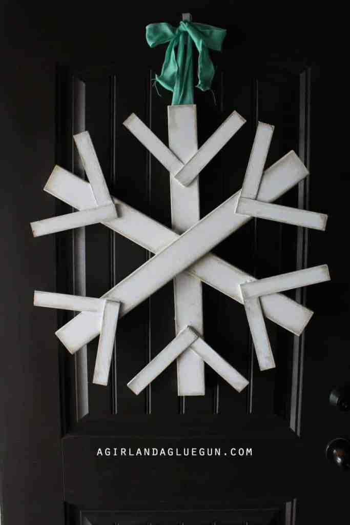 Giant Snowflake Door Hanger from A Girl and A Glue Gun - January Wreath Ideas