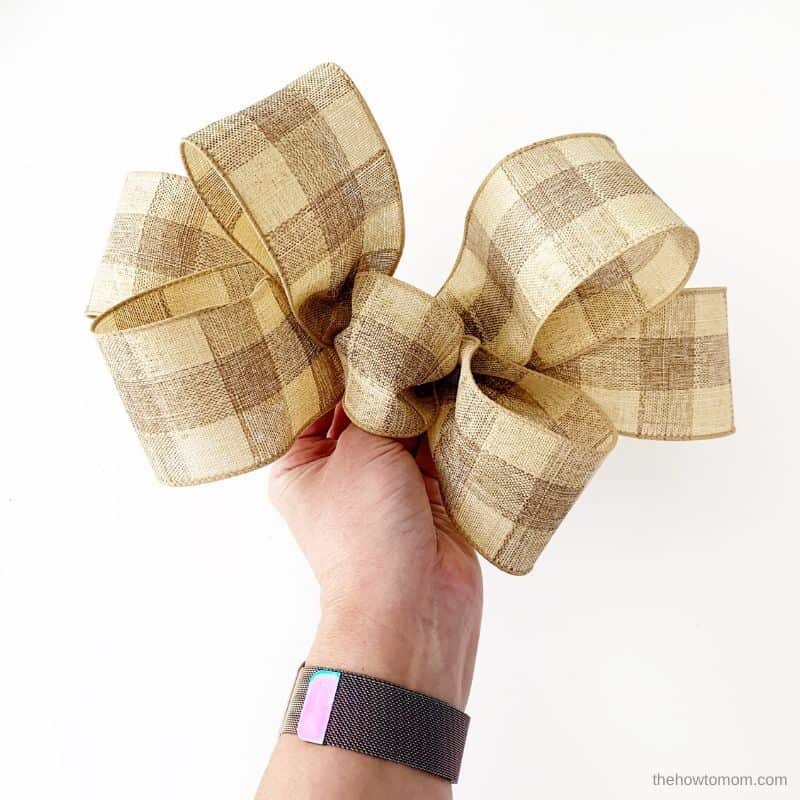 scrunch the bow into shape