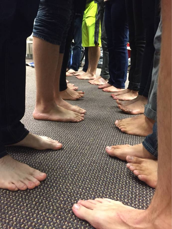 GEORGETOWN SOLIDARITY COMMITTEE The Georgetown Solidarity Committee encouraged students to go barefoot to raise awareness about Nike's alleged workers' rights violations, as contract negotiations between the university and the company continue.