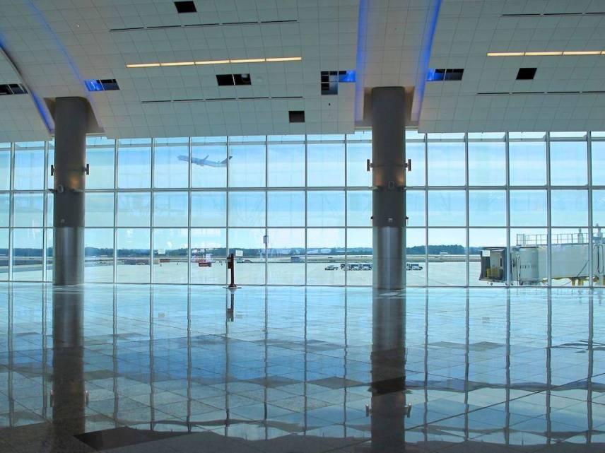 Blog: How the aviation enthusiast views an airplane #aviation #photos