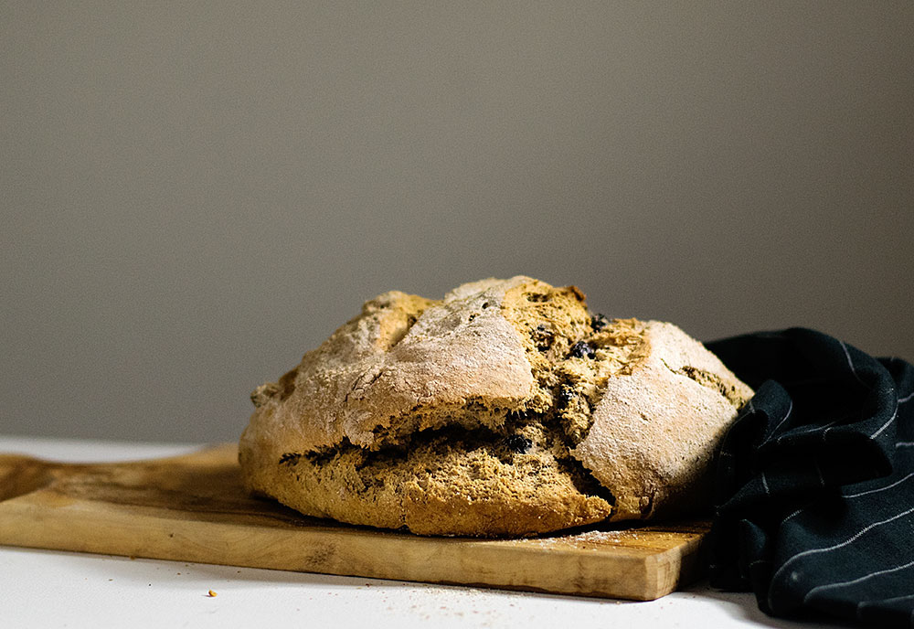 quick_beer_and_olives_bread_no_yeast