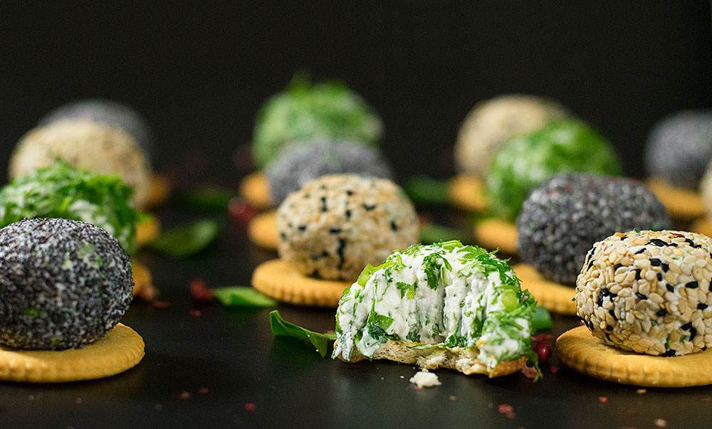 mini-feta-cheese-balls-with-herbs-2
