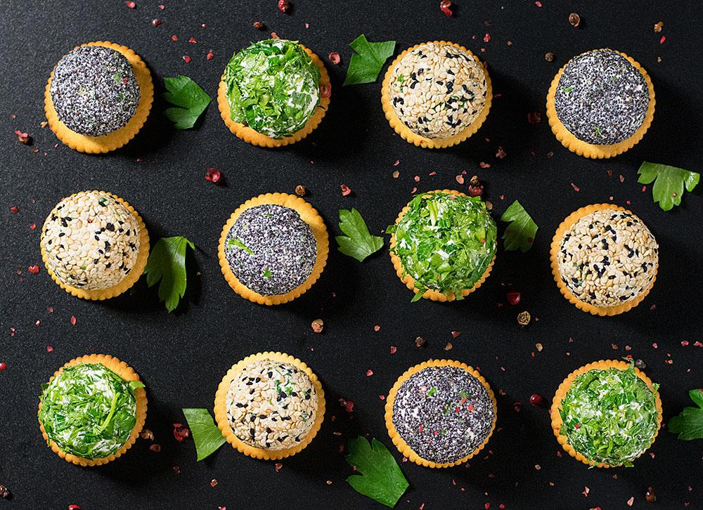 mini-feta-cheese-balls-with-herbs