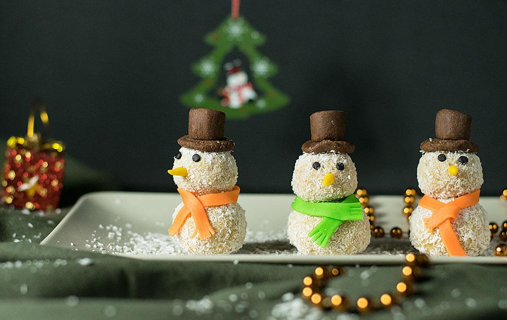 xmas-white-chocolate-truffle-snowmen-1