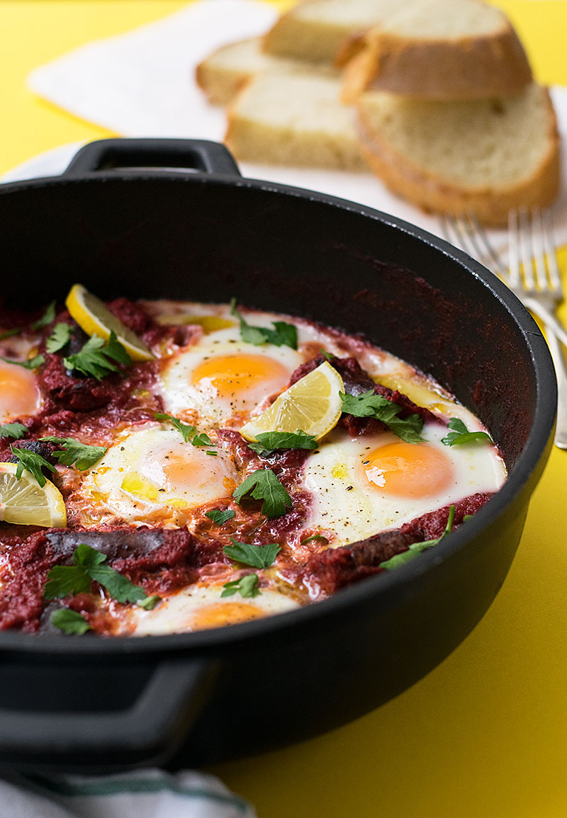 shakshuka with sausage and vegetable sauce 1