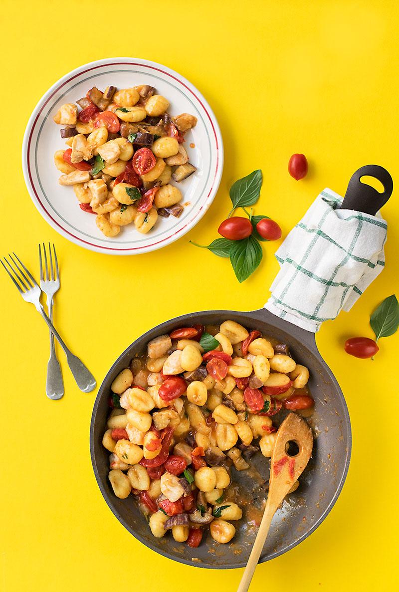 Mediterranean skillet with gnocchi and chicken 3