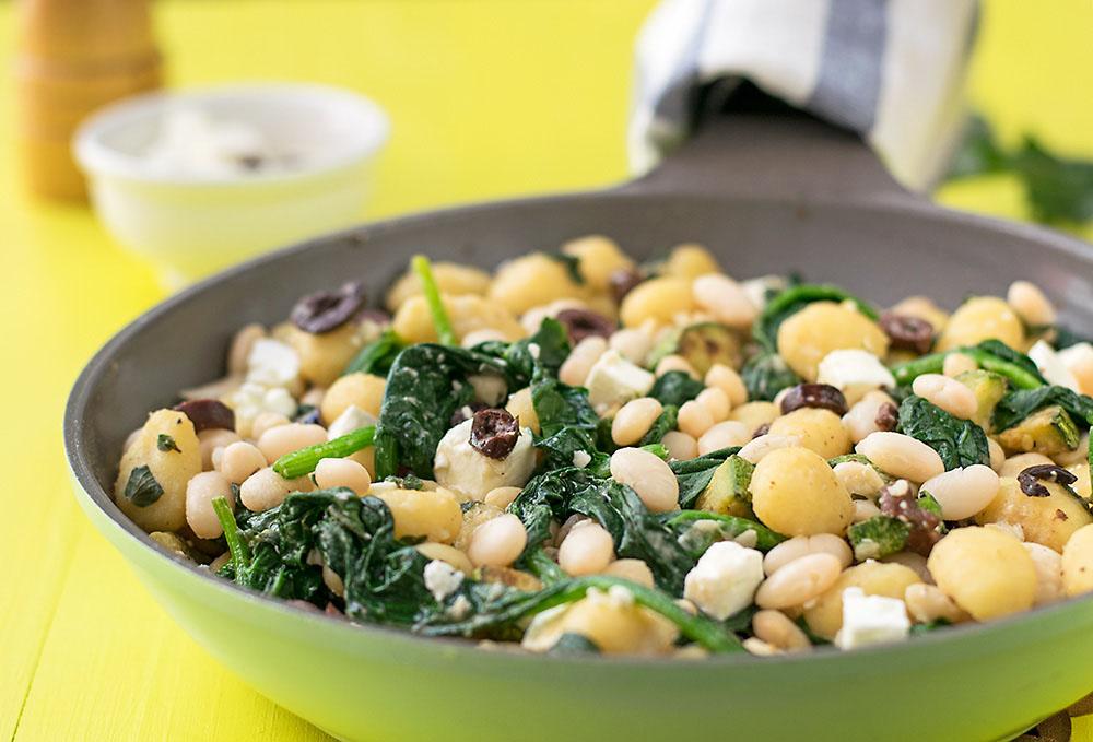 Mediterranean skillet gnocchi with white beans & spinach 3