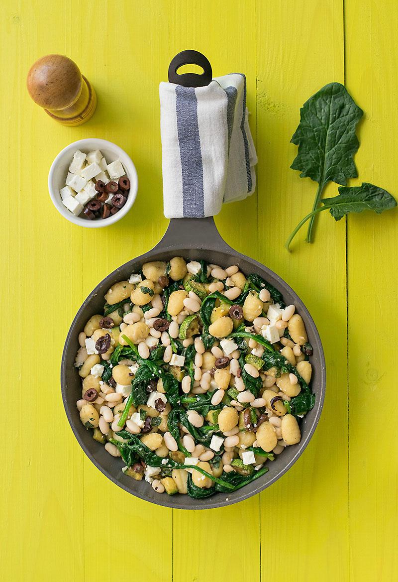 Mediterranean skillet gnocchi with white beans & spinach