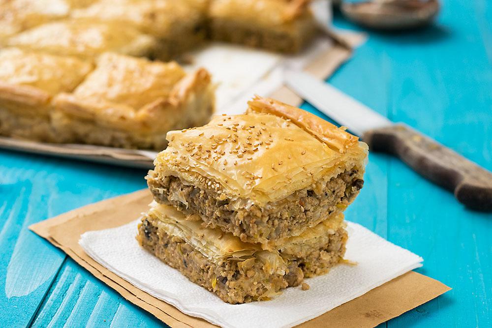 Mediterranean minced meat phyllo pie (kimadopita) 3