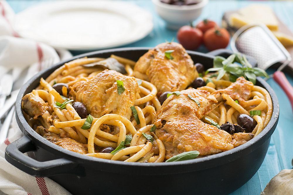 Whole chicken cacciatore stew with bucatini pasta 3