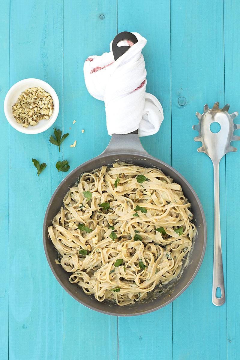 Black garlic creamy linguini pasta with olive oil béchamel