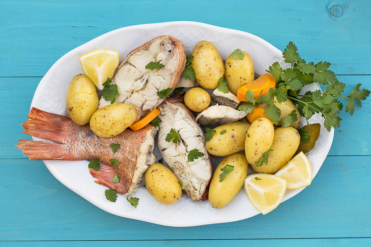 Greek fish soup with potatoes & vegetables (Psarosoupa) 3