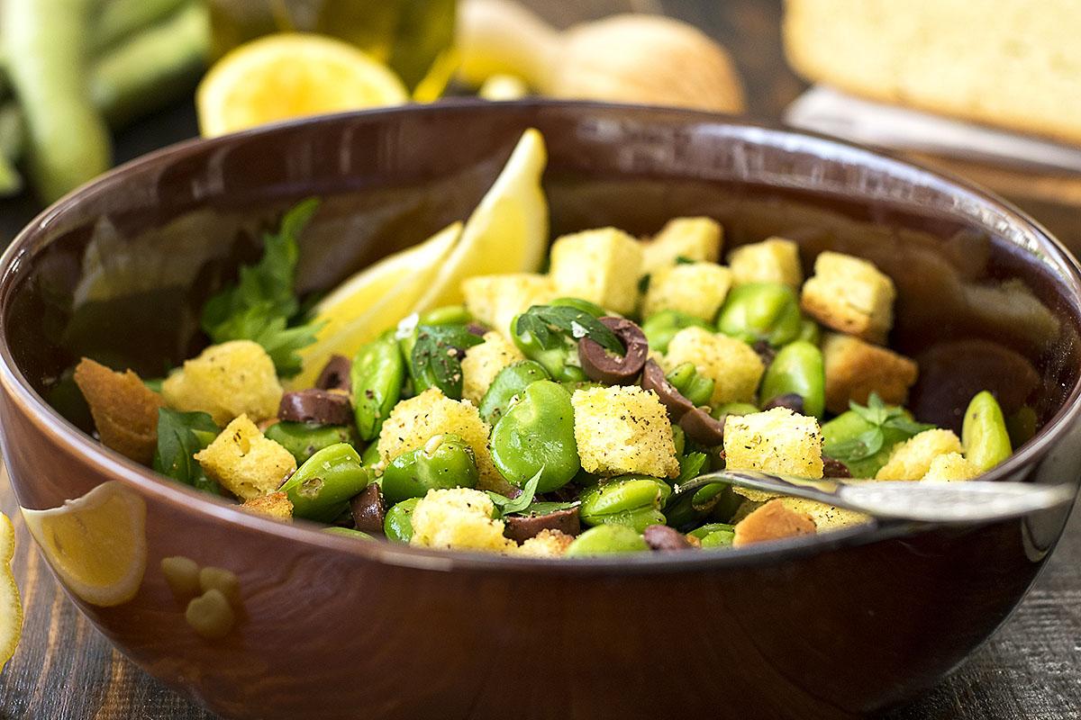 Fresh fava been salad and a fava spread – Vegan 7