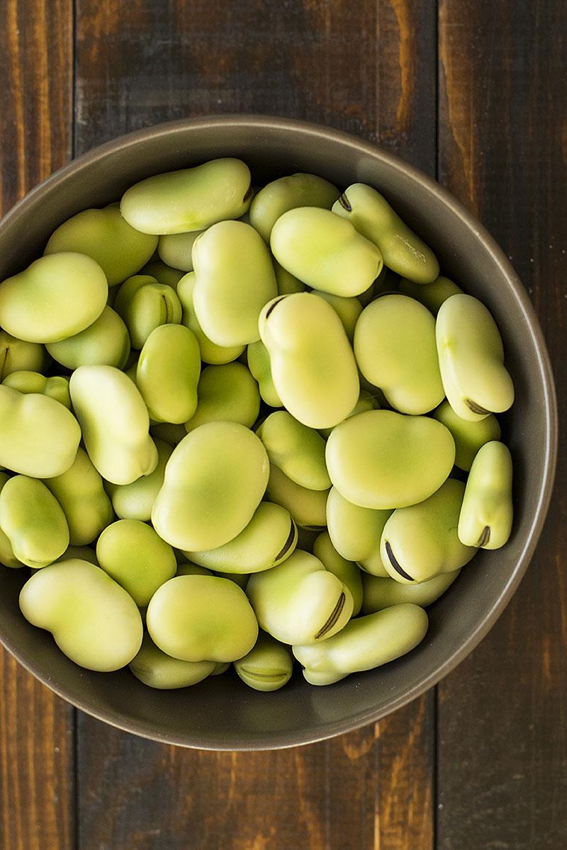 Fresh fava been salad and a fava spread – Vegan 1