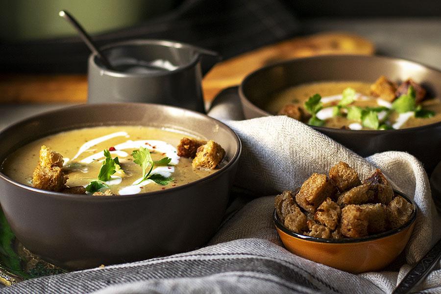 Easy red lentil and pumpkin velvet soup (Vegan) 4