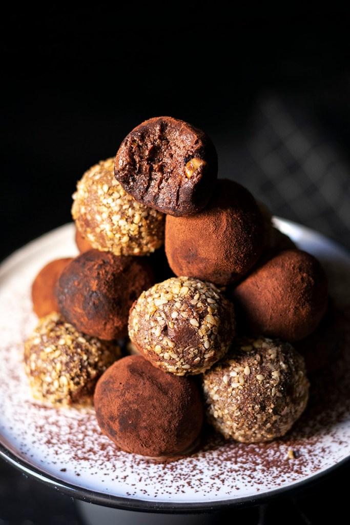 Fudgy chocolate truffle bliss balls (Vegan) 4