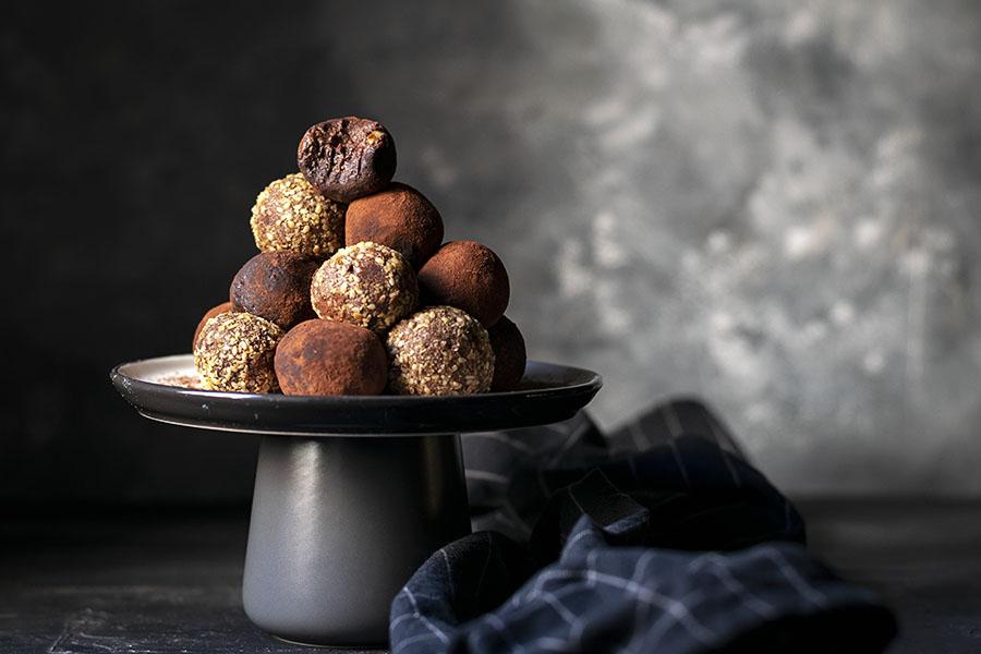 Fudgy chocolate truffle bliss balls (Vegan) 5