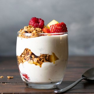 Yogurt parfait recipe with honey and fruits feat