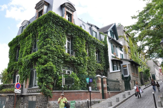Ivy covered home in Montmartre