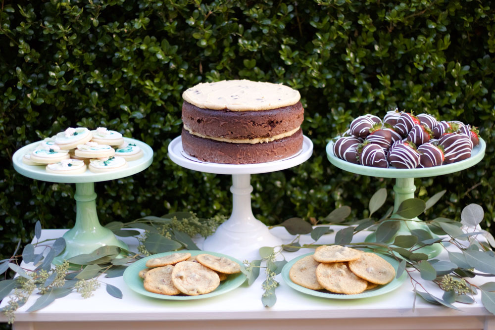 simple and elegant dessert table
