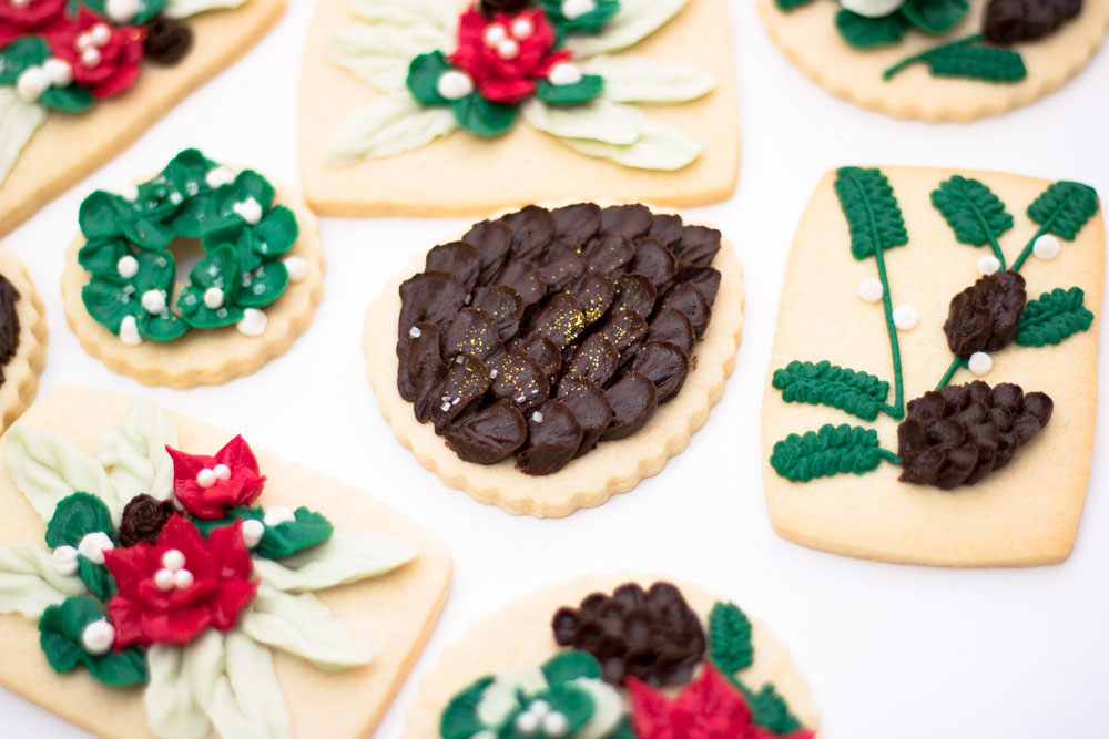 how to frost christmas cookies