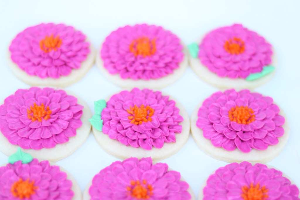 buttercream Zinnia cookie tutorial
