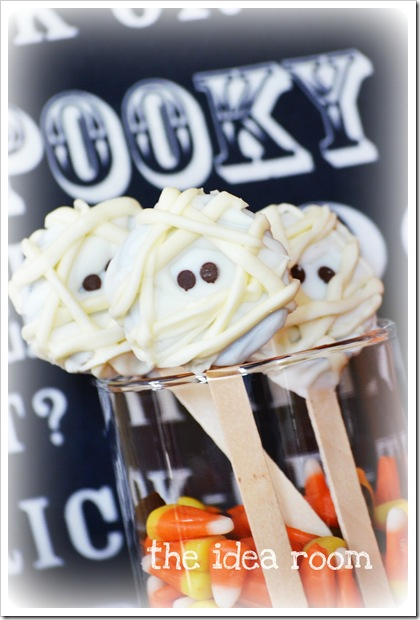 Halloween SnacksMummy Oreo Pops