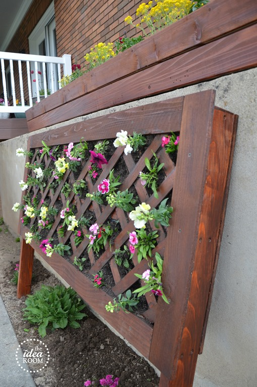 diy vertical flower bed - idea