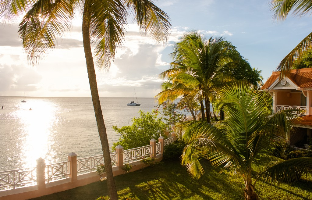 Coco Reef - Hotels in Tobago
