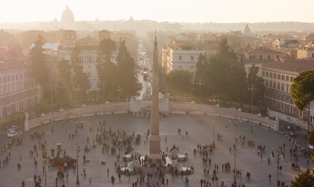 running in Rome and routes in Italy