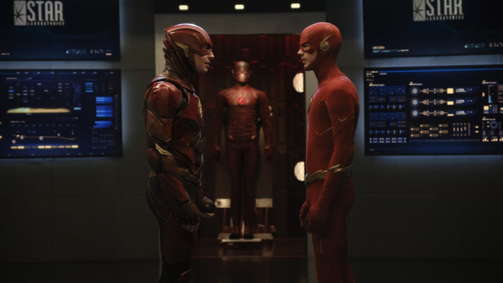 The Flash Crisis on Infinite Earths Ezra Miller Grant Gustin