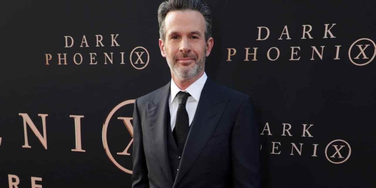 Dark Phoenix Director Simon Kinberg To Write and Produce Battlestar Galactica Film