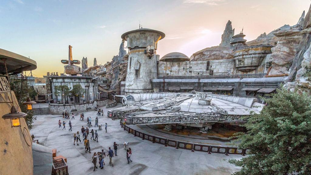 galaxy's edge themepark