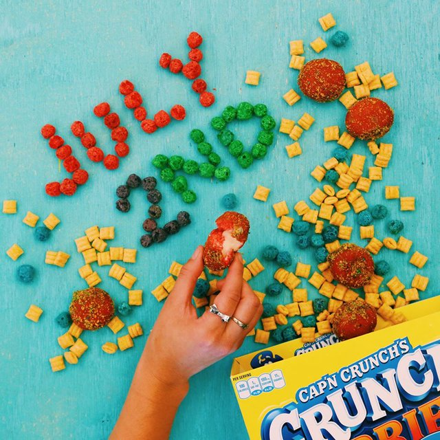 Taco Bell Cap n Crunch Delights