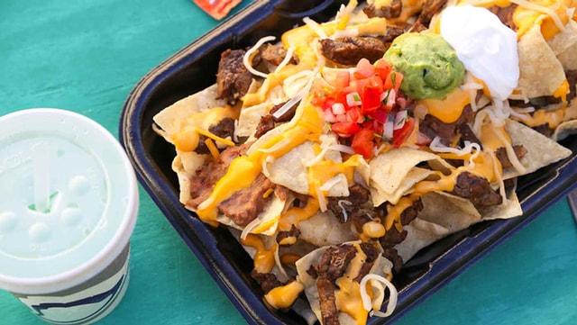 FAST FOOD NEWS: Taco Bell BOSS Nachos - The Impulsive Buy