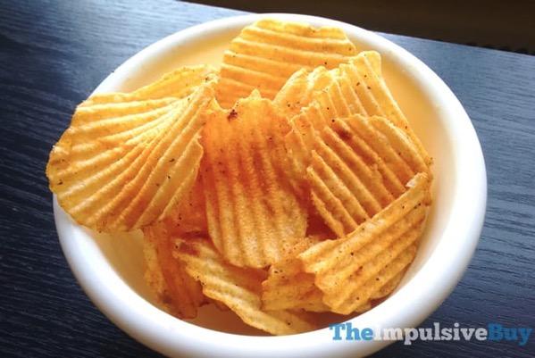 Lay s Wavy Fried Green Tomato Potato Chips 2