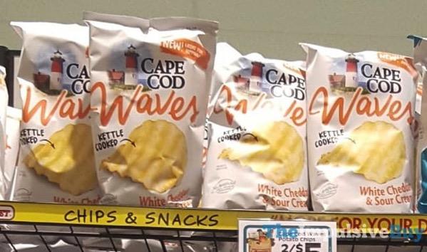 Cape Cod Waves White Cheddar  Sour Cream Potato Chips